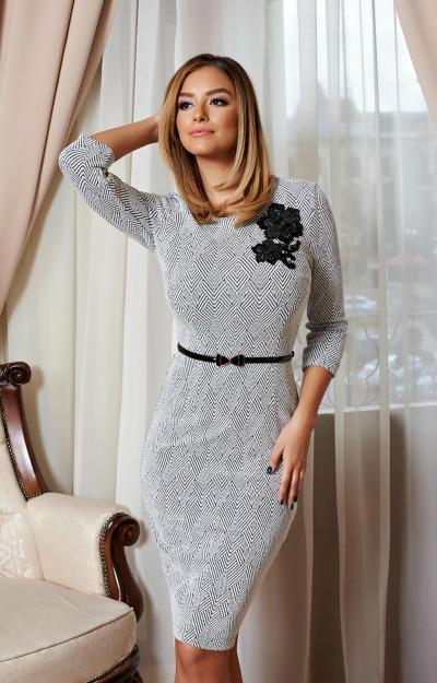 Rochii de revelion: rochie dreapta, midi
