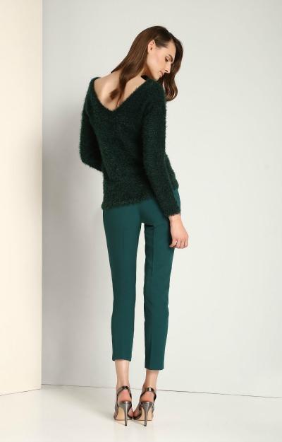 Pulovere groase: pulover cu decolteu in V