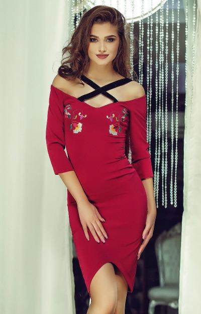 Rochii elegante: rochie burgundy