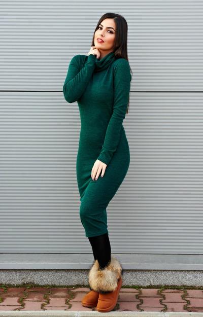 Rochii verzi: rochie midi cu guler inalt