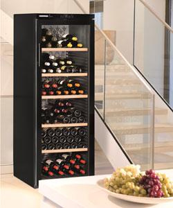 Vitrina vinuri