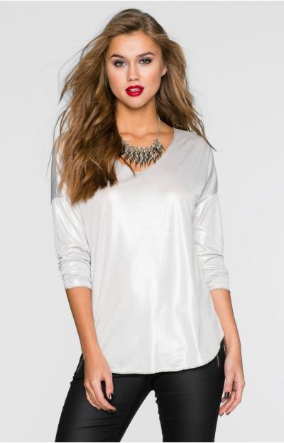 Accente metalice: Bluza gri cu aspect lucios
