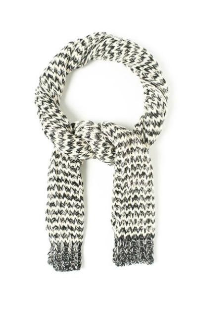 fular-tricotat-alb-negru