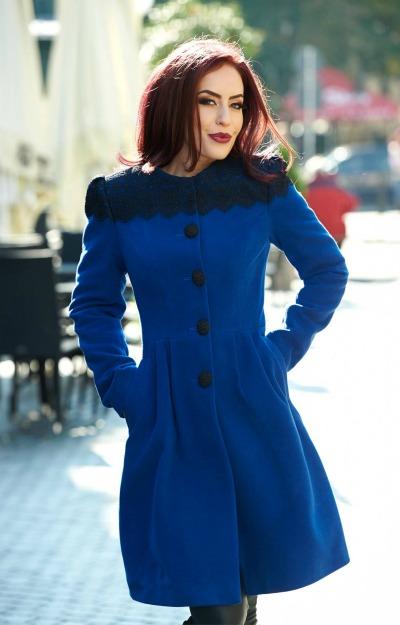 Paltoane elegante: Palton scurt cu dantela
