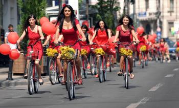 Castiga una din cele 7 biciclete oferite de Brillance