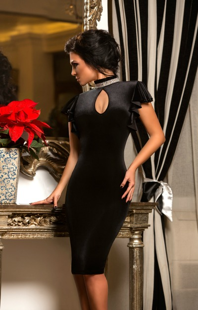 Rochii de catifea: rochie midi cu decupaje