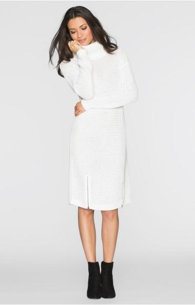 Rochii tricotate: Rochie alba cu guler inalt