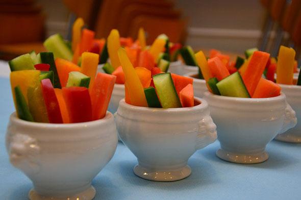 sticksuri din vegetale cu iaurt