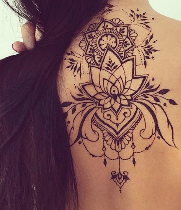 tatuaje pe umar