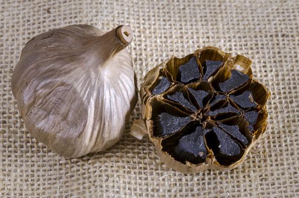 imagini beneficii usturoi negru