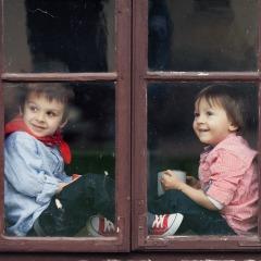 Iubiti-va copiii! Ei sunt un dar de la Dumnezeu