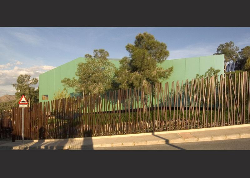 Casa dintre pini