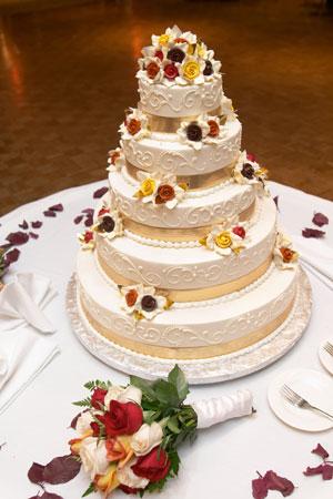 Cele mai frumoase modele pentru tortul de nunta -  - Slide 1 din 47