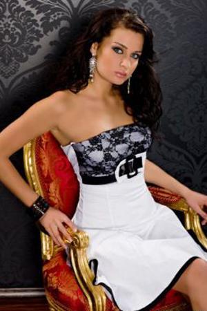 Rochie de ocazie disponibila in magazinele Starshiners.