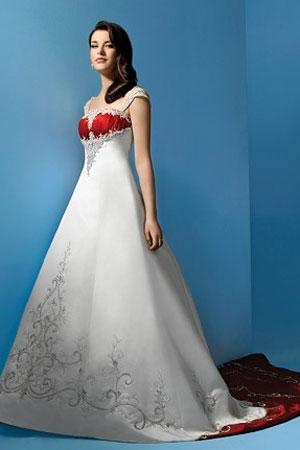 Rochie de mireasa stil printesa disponibila in Magazinele Decosta