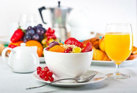 5 Alimente care tin departe cancerul de san - Fructele si legumele crude reduc riscul cancerului la san - Slide 5 din 8