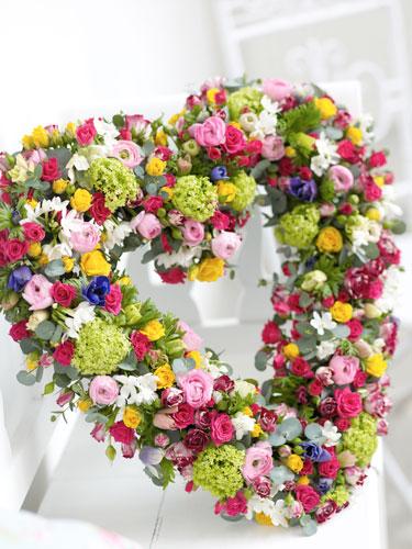 8 aranjamente florale superbe, pentru masa de Paste - Aranjament floral masa de Paste - Slide 1 din 8