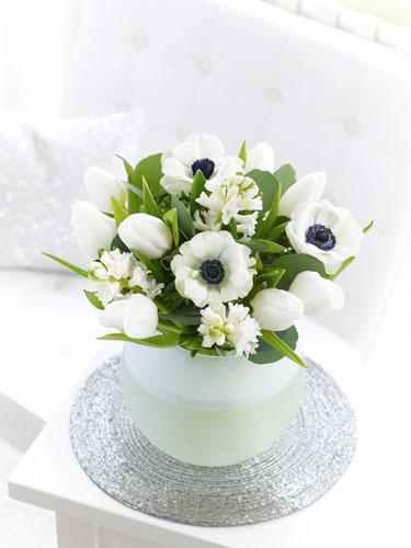 8 aranjamente florale superbe, pentru masa de Paste - Aranjament floral masa de Paste - Slide 3 din 8