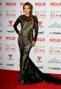 Eva Longoria merge pe black and white... si nu are cum sa dea