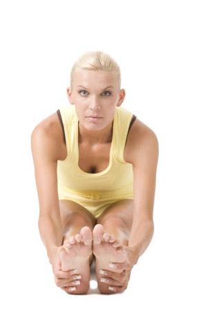 Exercitii pentru mobilitatea trunchiului si a picioarelor Tineti