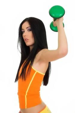 In acest exercitiu tonifiati atat musculatura pectoralilor, cat si