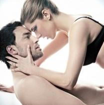 5 pozitii sexuale care iti tonifica abdomenul