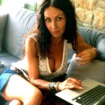 Mihaela Radulescu, din nou singura?! S-a despartit de Dani Otil!