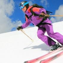 Cum sa eviti entorsa de genunchi cand practici schi. Recomandarile Societatii Franceze de Chirurgie Ortopedica