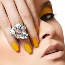 15 Produse pentru unghii pe care orice pasionata de manichiura trebuie sa le aiba