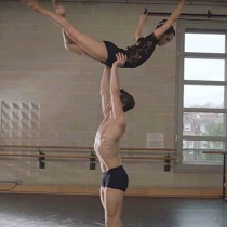 Ati vazut acest dans INCREDIBIL? Toata lumea vorbeste despre el