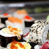 Sushi te scapa de cancer si te face mai frumoasa