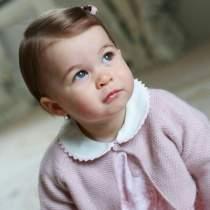 Printesa Charlotte a implinit un anisor. Iata ce imagini dragute au aparut cu ea pe internet