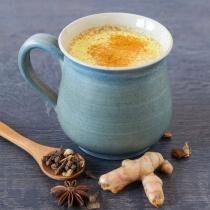 CAFEAUA DE AUR este reteta momentului: Cum sa prepari cel mai sanatos si delicios Latte cu Turmeric