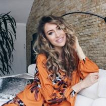 Ioana Chisiu: Mamica, sotie si fashion blogger