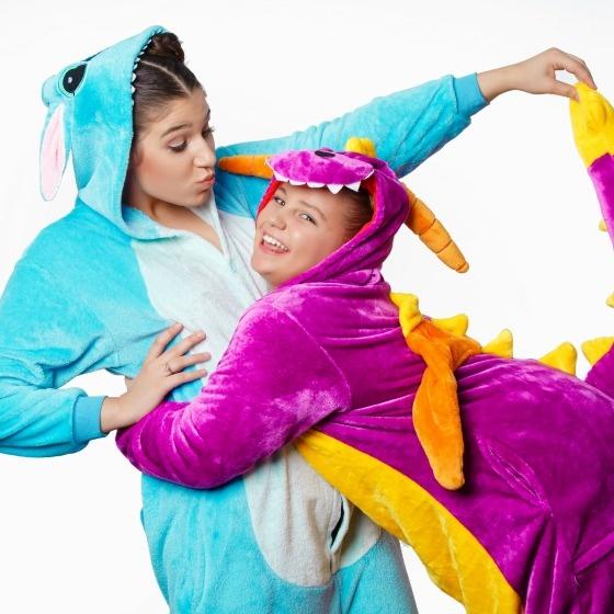 Fii din nou copil! 10 pijamale cu personaje pentru serile de rasfat