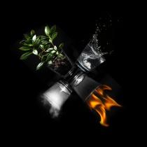 Astrologie: Trasaturile tale in functie de elementele primordiale - Esti apa, aer, foc sau pamant?
