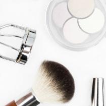 5 obiecte care te ajuta sa obtii rapid machiajul dorit