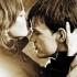 Cougar Town: De ce barbatii prefera femeile in varsta?