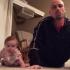 Video: Cel mai tare bebelus! Clipul de un minut care iti va cuceri inima!