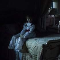 Din culise: Un preot a sfintit platourile de filmare de la Annabelle 2 si The NunDin culise: Un preot a sfintit platourile de filmare de la Annabelle 2 si The Nun