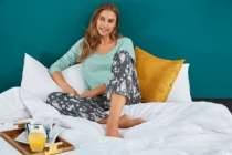 Nu te vei plictisi niciodata de ele: cele mai frumoase modele de pijamale pe care le vei purta non stop