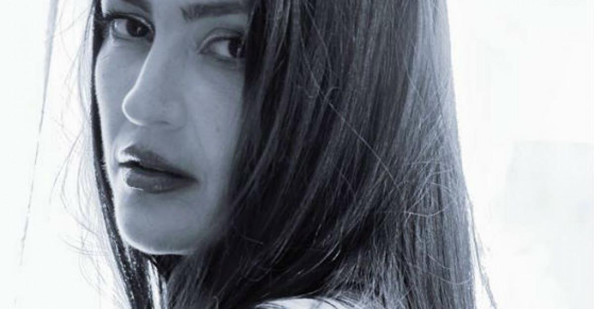 Rona Hartner, imaginea noului salon de infrumusetare Vivien Kondor