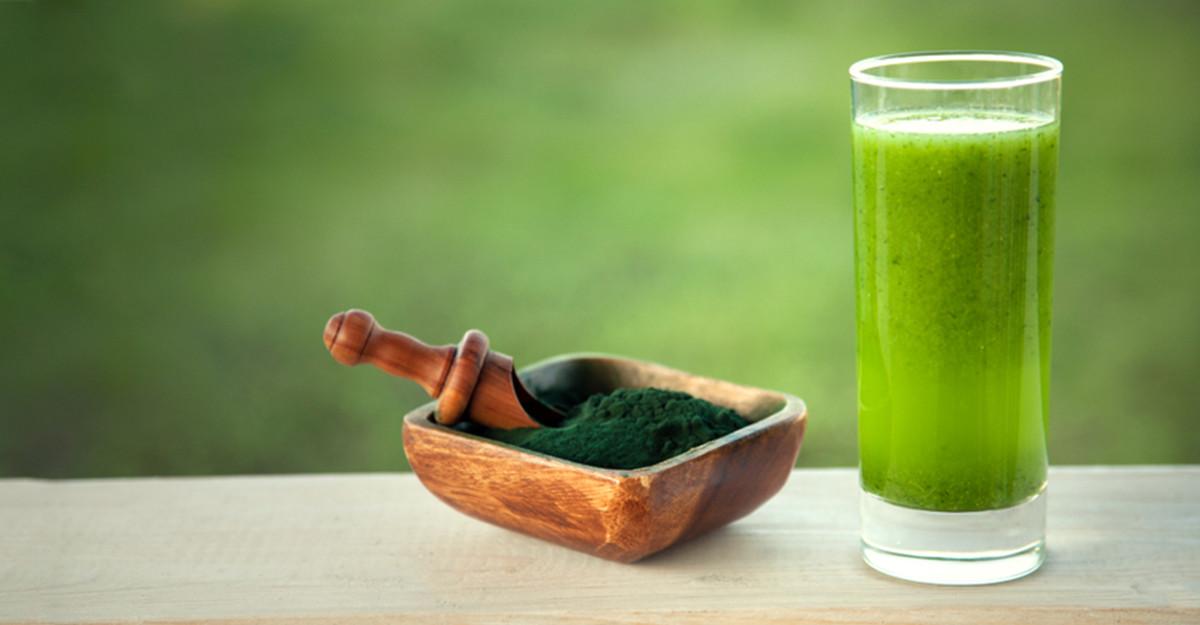 Cum consumăm spirulina pulbere? 5 Idei de rețete delicioase, pentru toate gusturile