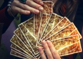 Puterea ocultului: Carti de TAROT specifice fiecarei zodii in parte
