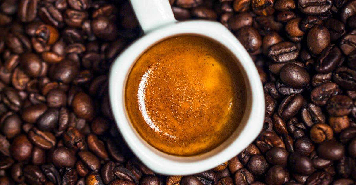 Cum iti dai seama ca servesti o cana de cafea buna?