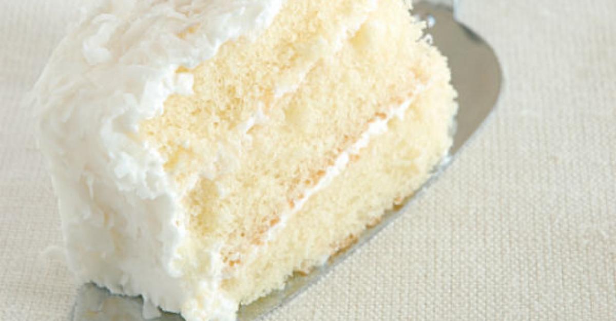 Prajitura Alba ca Zapada, un preparat delicat cu aroma de vanilie