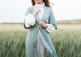 Rochie-trenci cu croială în modele interesante: cum o porți cu stil