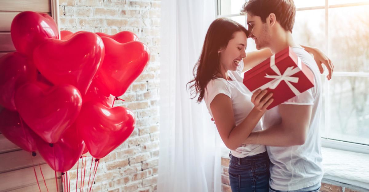Patru moduri prin care îți poți întări relația de cuplu cu ajutorul limbajelor iubirii