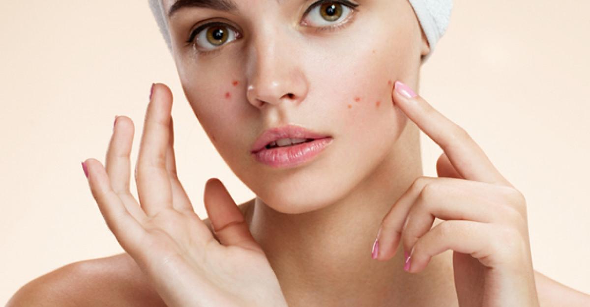 Sunt OTRAVA: 10 ingrediente cosmetice TOXICE de care sa te feresti