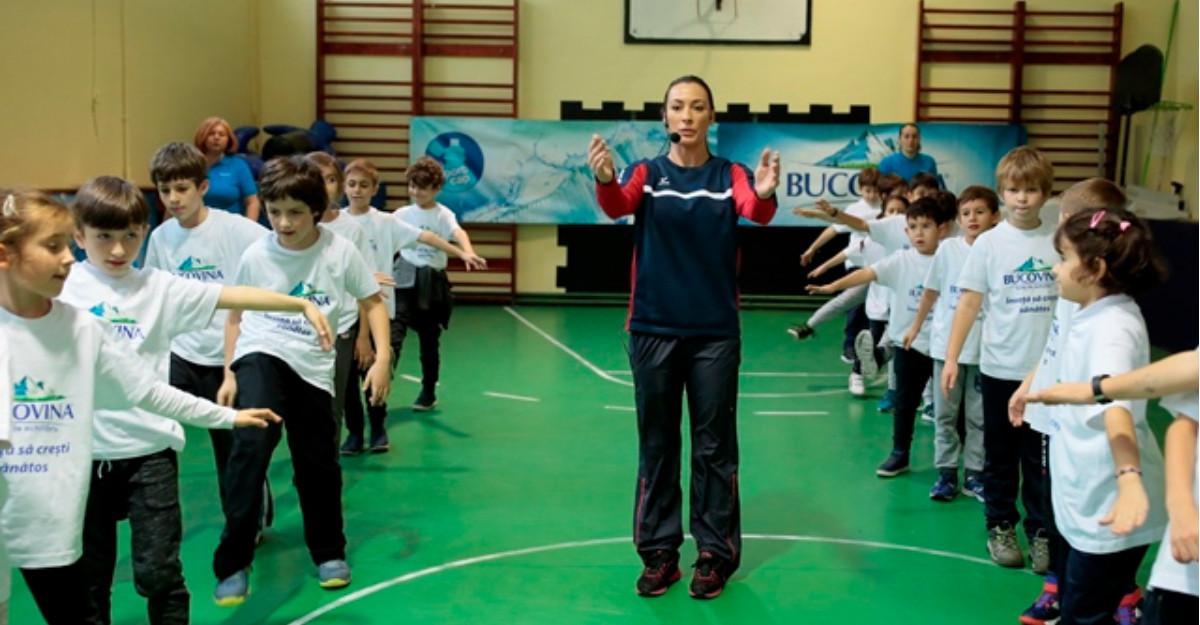 """""""Învață să crești sănătos cu Bucovina!"""". Îndemnul Cătălinei Ponor și al lui Carmen Brumă pentru elevii din București"""